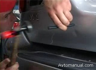 Как убрать вмятину на двери автомобиля